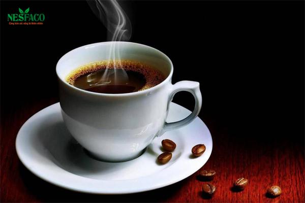 Người cao huyết áp uống cà phê được không?
